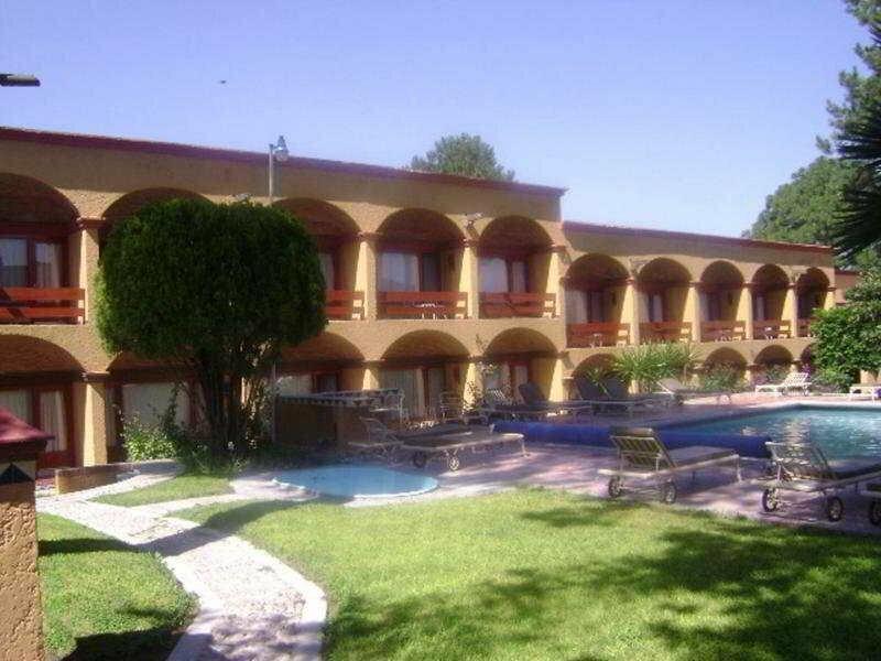 Cantesse Hotel