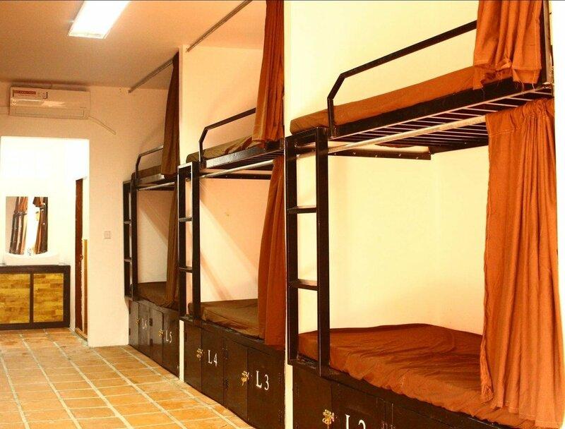 Malibu Hostel