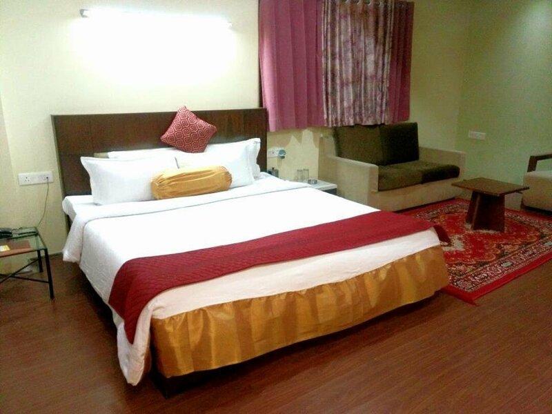 Hotel Kalinga Lake View