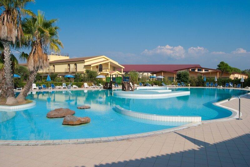 Отель Horse Country Resort Congres & SPA