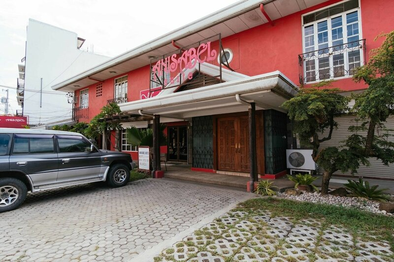 RedDoorz Plus near Abreeza Mall Davao