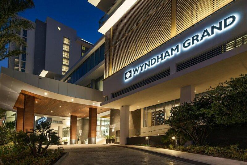 Wyndham Grand Clearwater Beach
