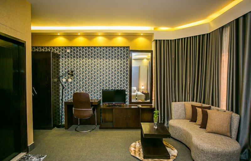 Hotel Tropical Daisy