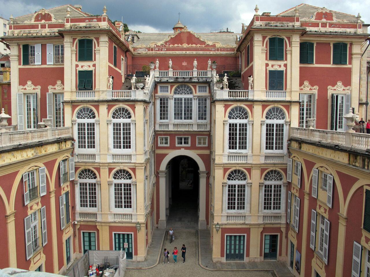 Дворец альбертис в генуе фото и описание