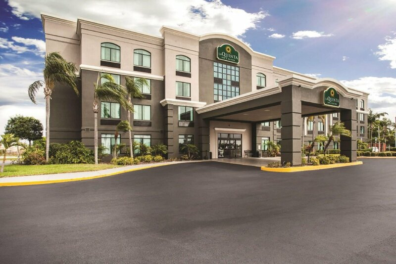 La Quinta Inn & Suites by Wyndham Clearwater South