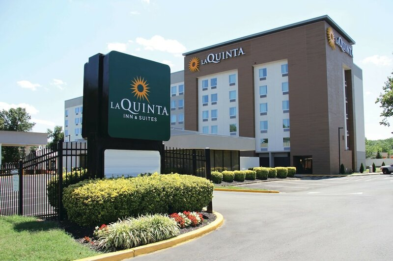 La Quinta Inn & Suites by Wyndham Dc Metro Capital Beltway