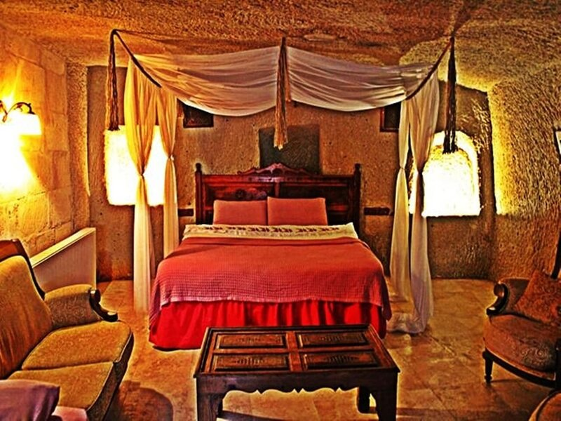 Hilem Cave House
