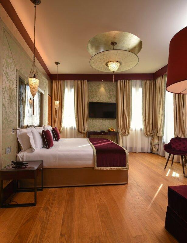 Отель Santa Croce Boutique
