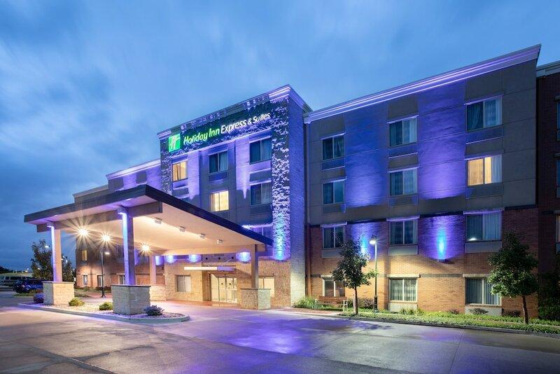 Holiday Inn Express & Suites Manhattan