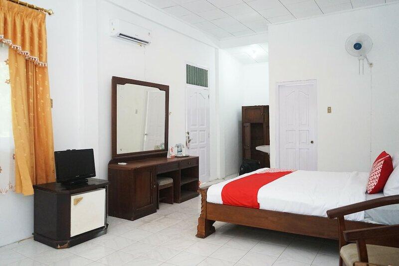 Oyo 1148 Pelangi Hotel New Teluk Uber