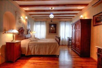 Casa Garzotto Integrated Hotel