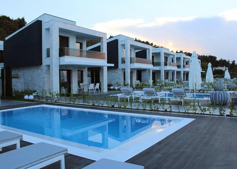 Crystal villas & suites