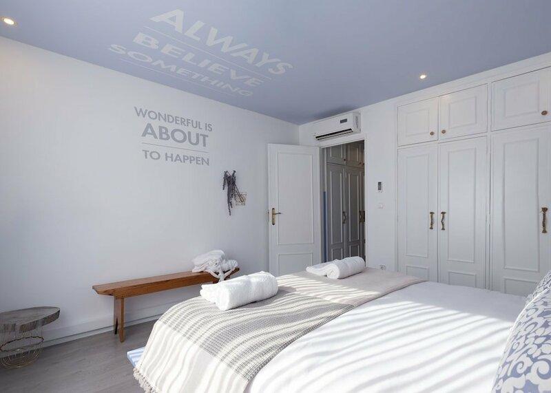 Boutique Rentals - Provence Apartment
