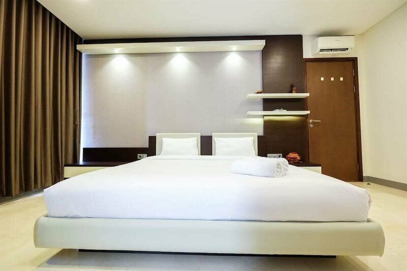 Minimalist New Furnish 2br L'Avenue Apartment Near Tebet