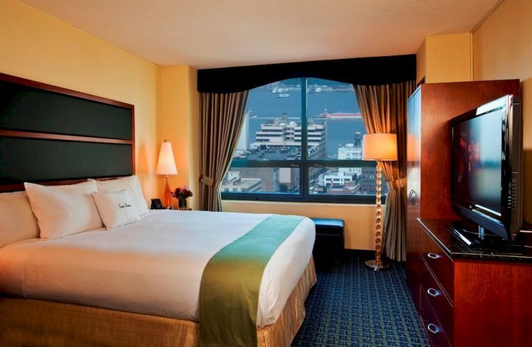 Doubletree Suites by Hilton Times Square
