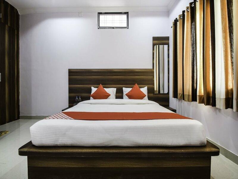Oyo 26580 Hari Krishna Palace