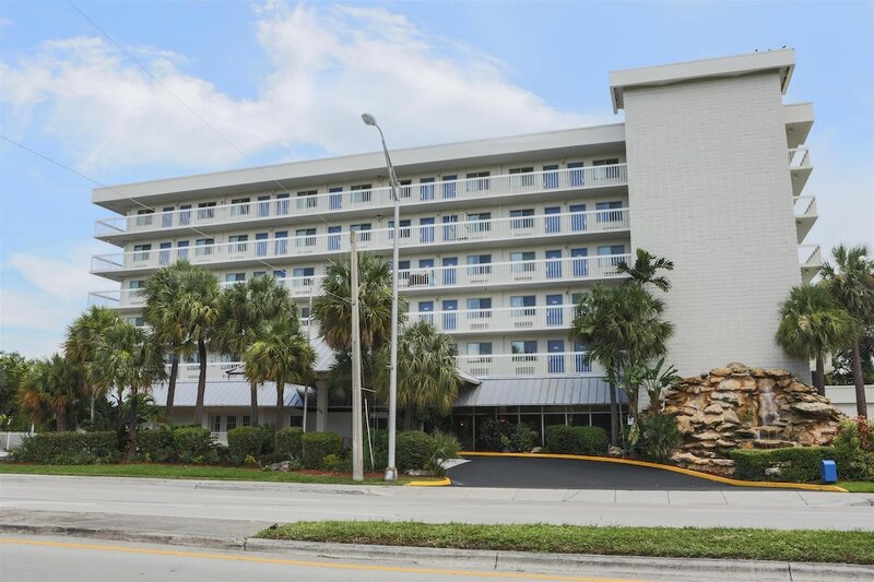 Motel 6 Cutler Bay
