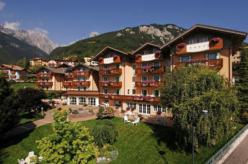 Lido Hotel & Apartments