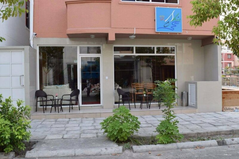 Ashaz Inn