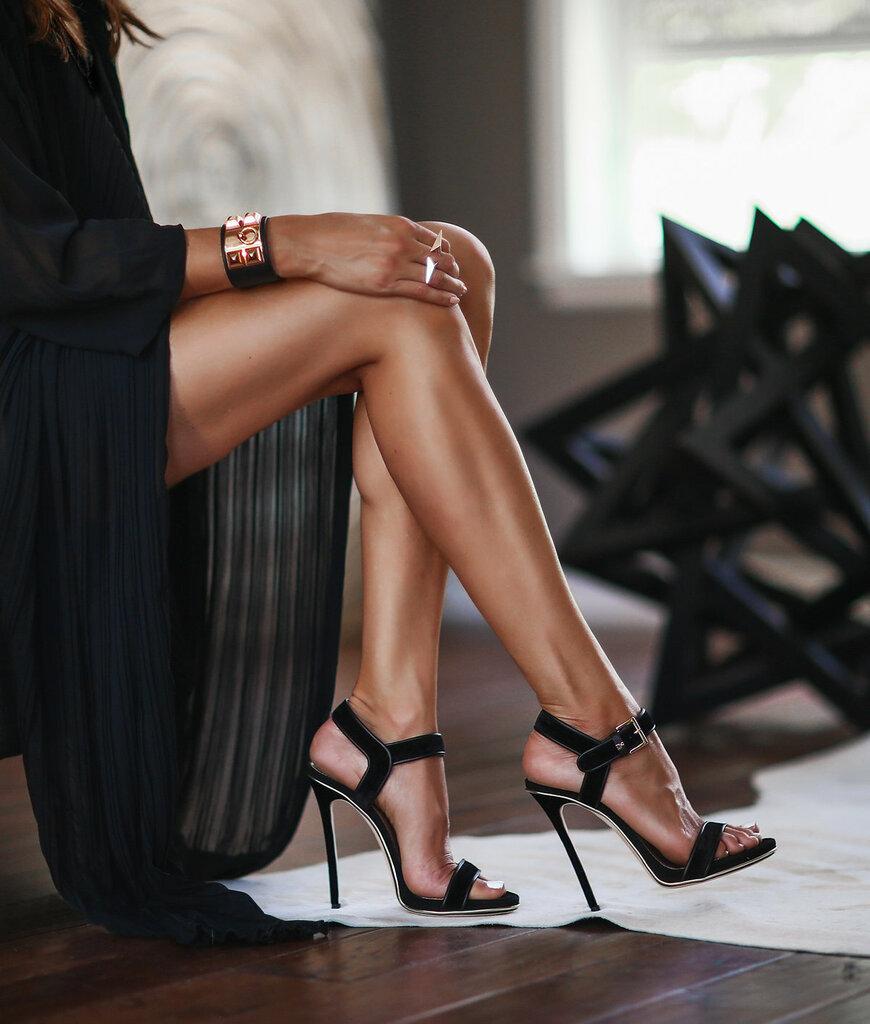 Фото женских ножек в туфлях, компьютерные игры квесты приключения эротика