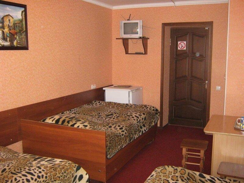 Отель Колос