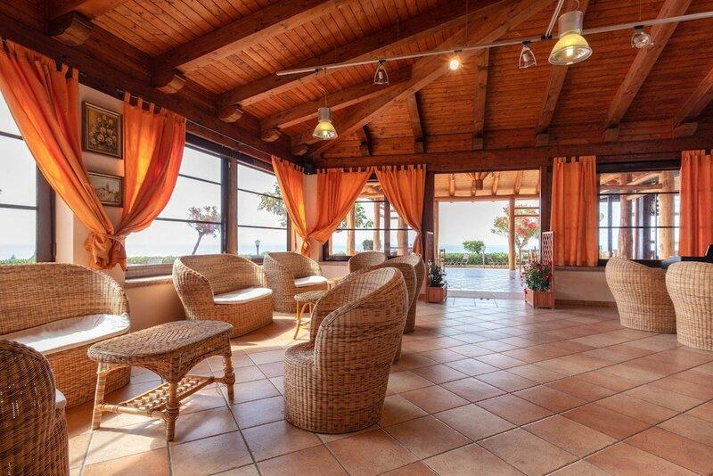 New Paradise Hotel-residence