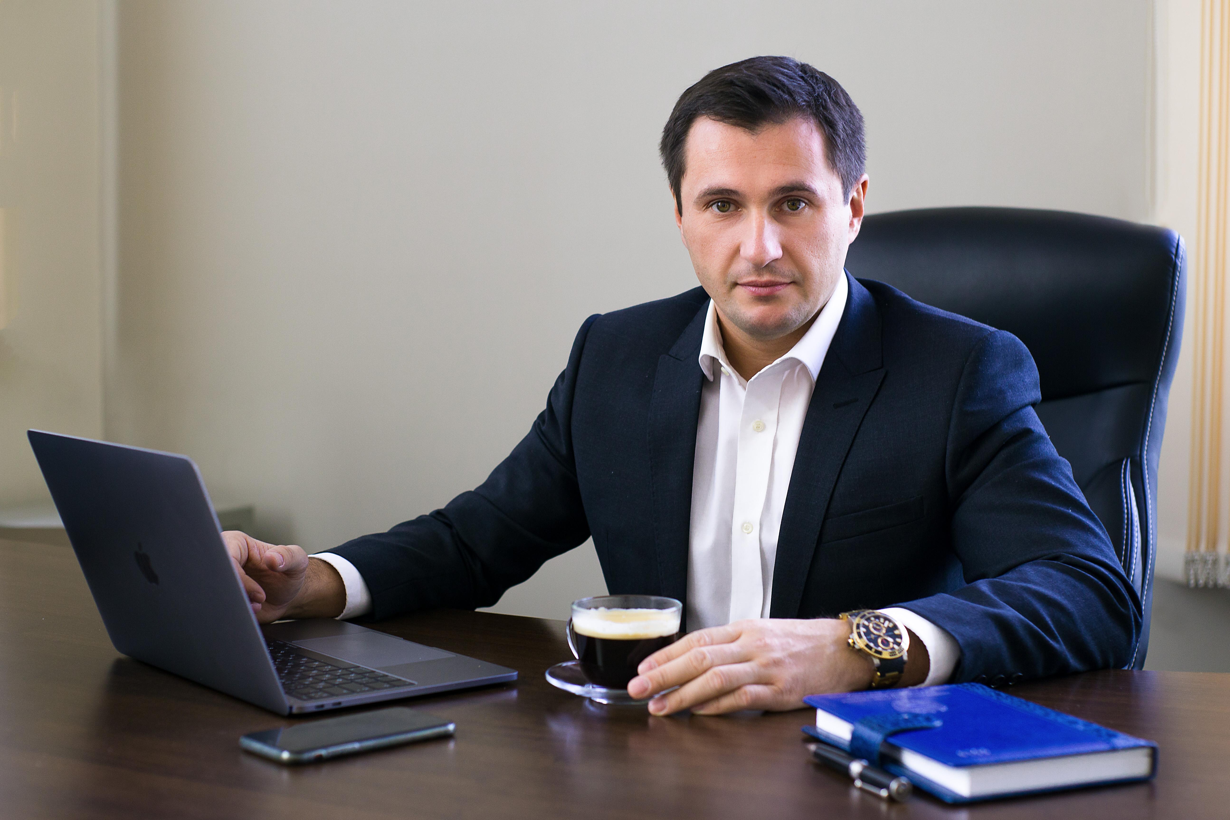 налоговый юрист в москве