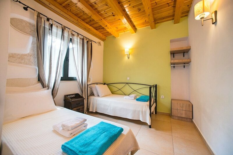 Cretan View Villa with Heated Swimming Pool