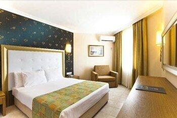 Iz Flower Side Beach Hotel