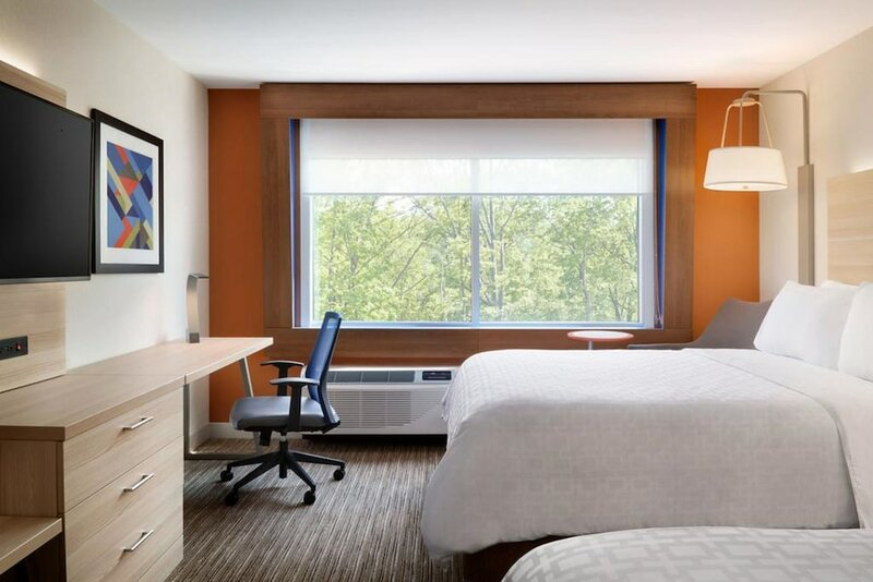 Holiday Inn Express And Suites Staunton