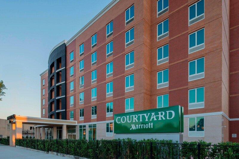 Courtyard by Marriott New York Queens/Fresh Meadows