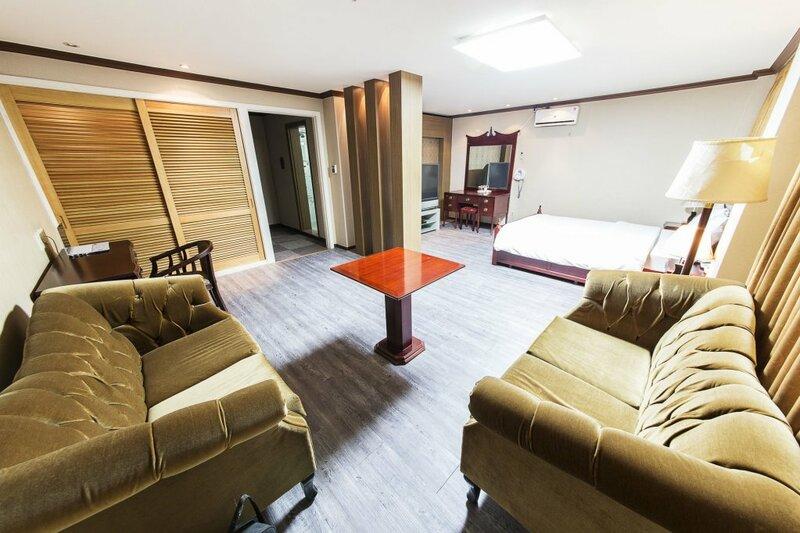 Jamsil Tourist Hotel