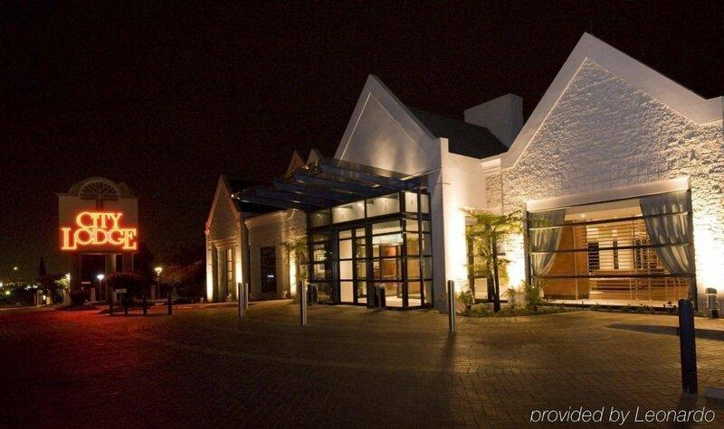 City Lodge Johannesburg Airport, Barbara Road