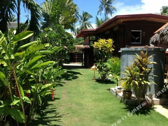 Alumbung Tropical Living