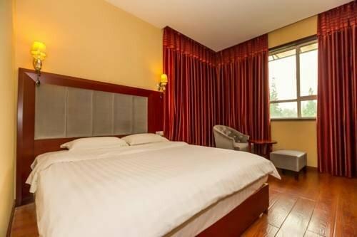 Mingkang Hotel