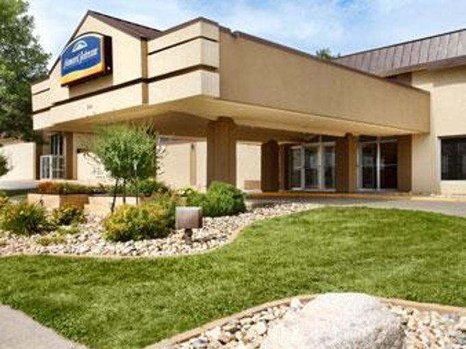 Howard Johnson Inn Fargo Downtown