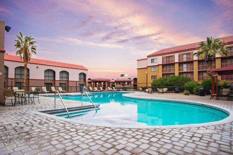 Wyndham El Paso Airport Hotel & Waterpark