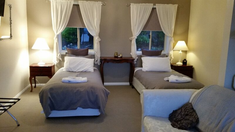Waterview Gardens Bed And Breakfast