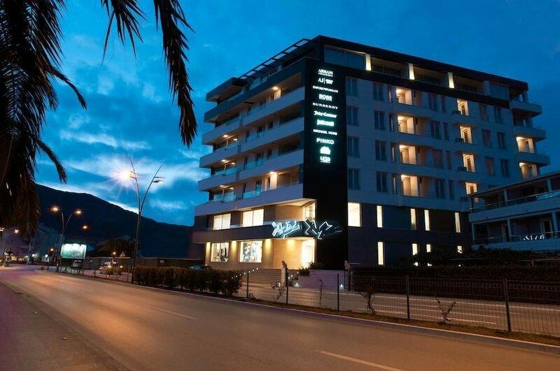 Sky View Luxury Apartments