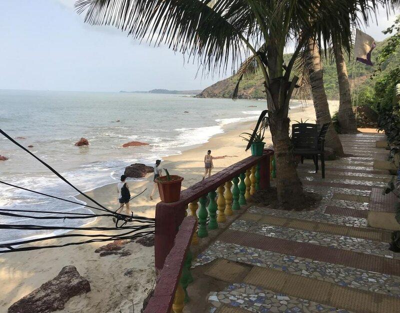 7 Sea View Hotel