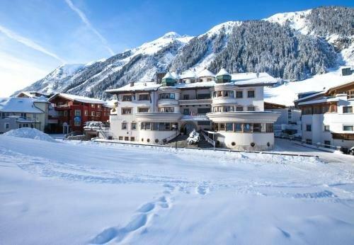 Hotel Schlosshof