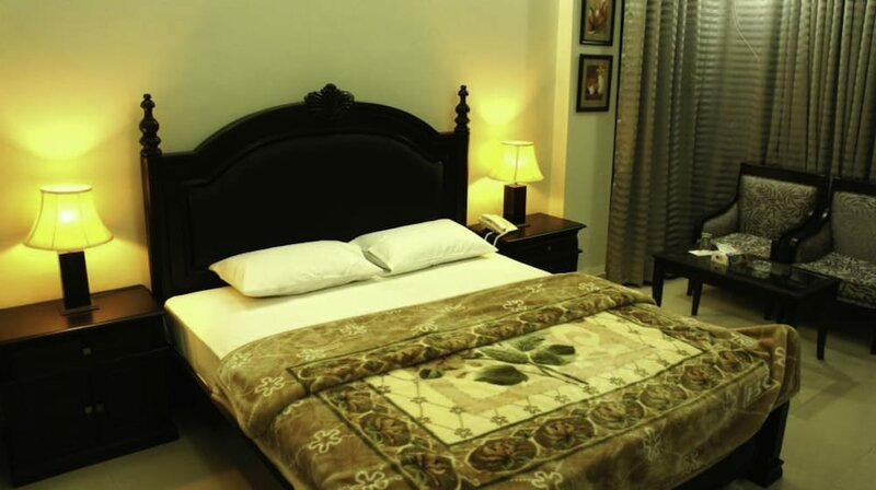 Shelton Hotel Timergara