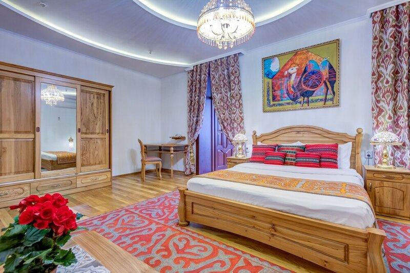 Отель Navat
