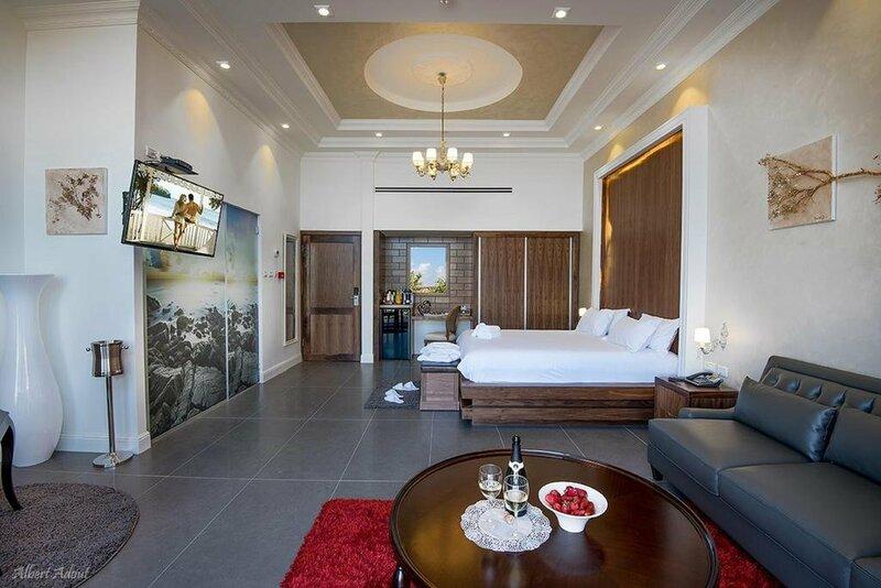 Sandrine Hotel & SPA