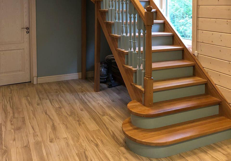 Фото деревянных лестниц только после работы
