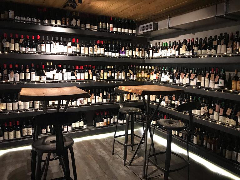 кафе — DecanTer Wine&Shop — Тбилиси, фото №2