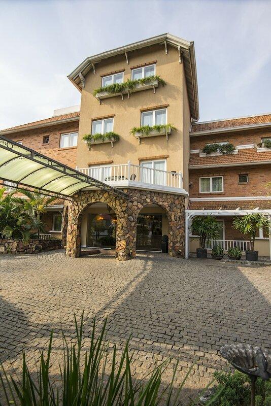 Villamorra Suites