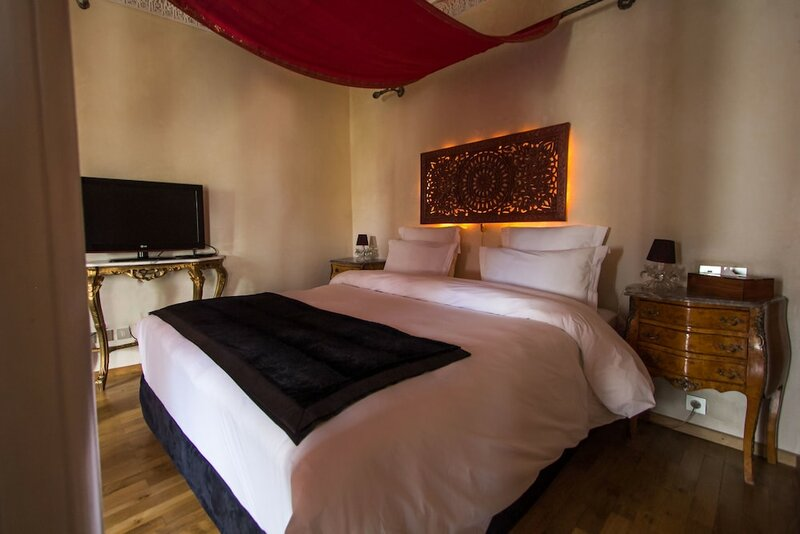 Riad Mayfez Suites & SPA