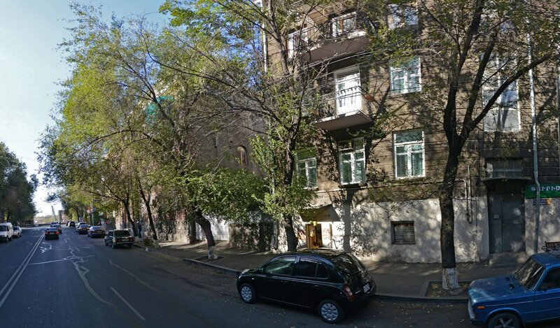 Yerevan Gold Hostel And Tours 2
