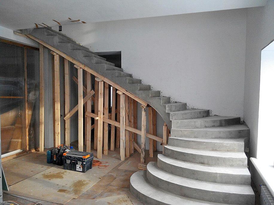 лестница на второй этаж железобетонная